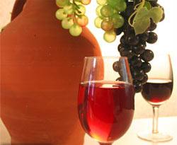 А давно ли люди пьют вино.  Как появился этот напиток?
