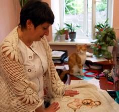 """Сотрудница  """"Севтеплоэнерго """" вышивает бисером картину Рафаэля  """"Сикстинская Мадонна """".  Комментариев: 18) ."""