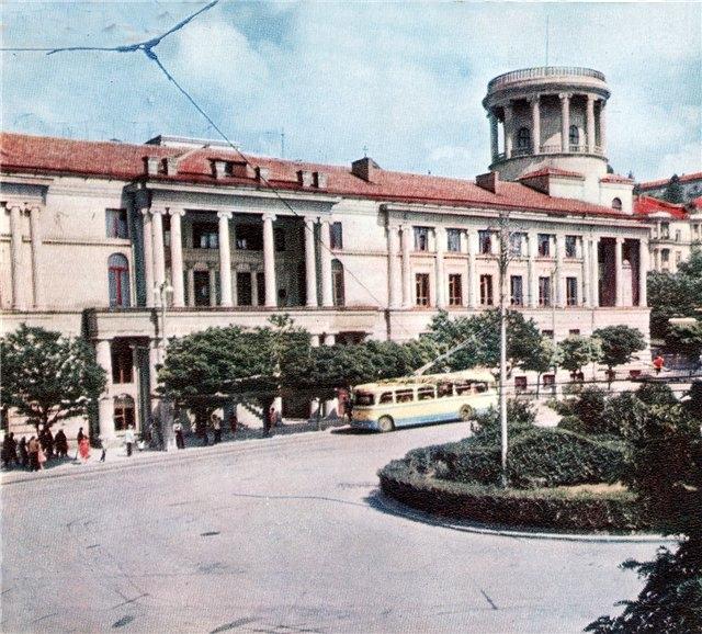 Севастопольская площадь проститутки 18 фотография