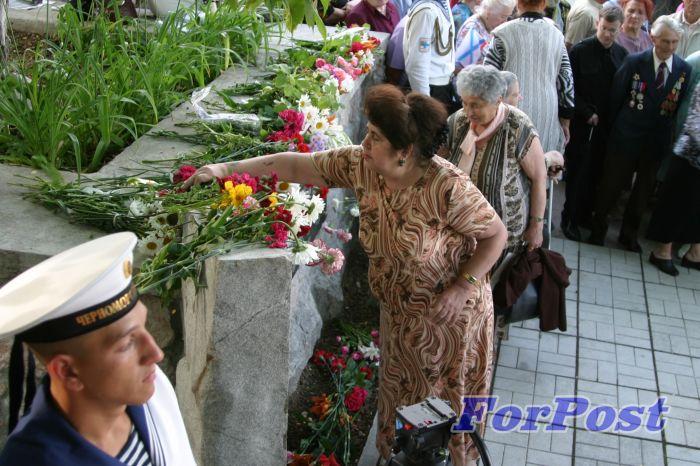 Илл 8. 22 июня 2006 г. Возложение цветов