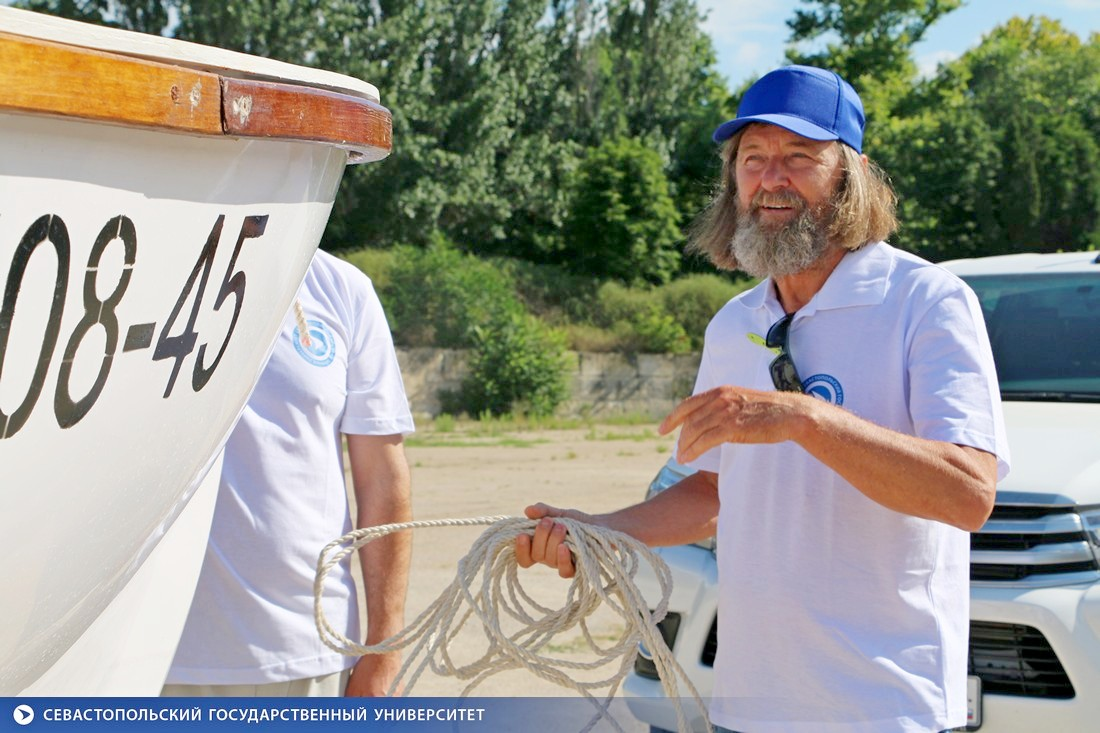 Учебно-практическая экспедиция «Под Андреевским флагом»: Федор Конюхов истуденты