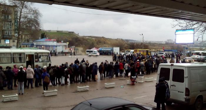 ВСевастополе снова транспортный коллапс: работа катеров остановлена