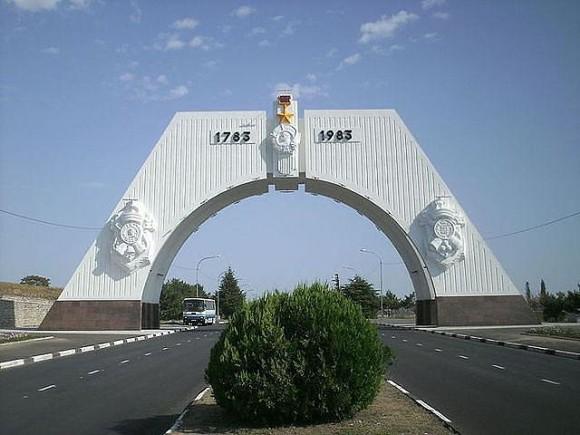 В Севастополе рассыпается триумфальная арка - Цензор.НЕТ 5621