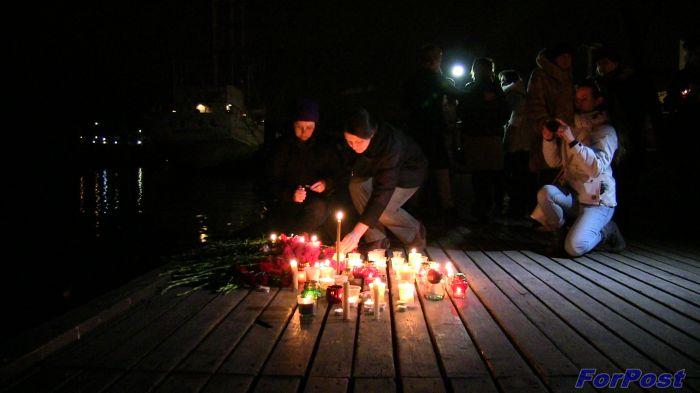 Граждане Крыма почтили память погибших вавиакатастрофе Ту-154 под Сочи