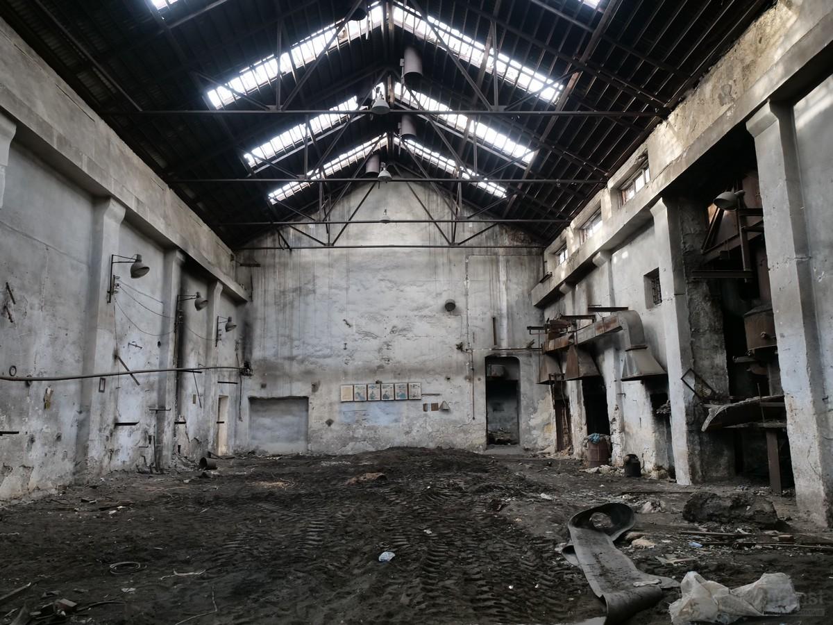 Бывший военный завод в Севастополе сровняли с землей