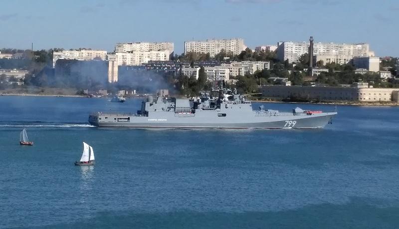 Новейший фрегат «Адмирал Макаров» впервые пришел в Севастополь