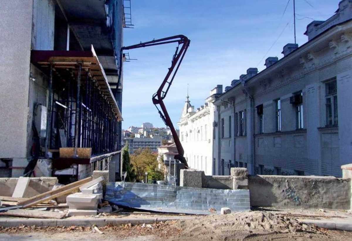 Торговый центр «Диалог» в Севастополе решили достроить?