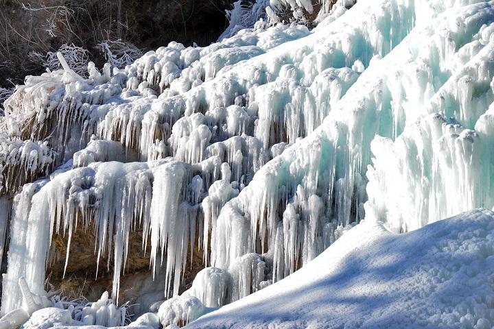 Футуристический Крым: как замерз водопад Учан-Су