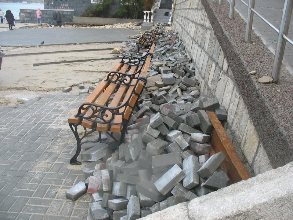 Последствия шторма в Севастопольской бухте