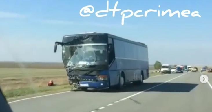 В жутком ДТП на севере Крыма погибли пять человек
