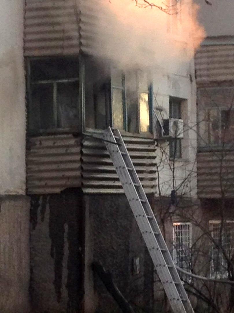 """В Севастополе пожарные потушили баню """"с огоньком"""""""
