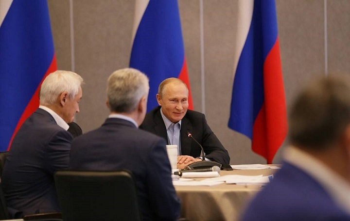 Чего потребовал Владимир Путин на заседании в Крыму
