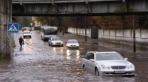 ForPost - Улицы Калининграда скрылись под водой из-за аномальных ливней