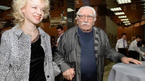 ForPost - Жена Джигарханяна сбежала из России