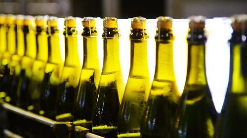 ForPost - Цены на шампанское вырастут на 15% к Новому году