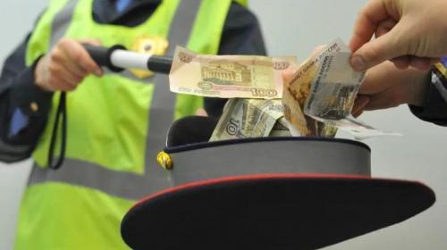 ForPost - В Уфе инспектор ДПС, заподозренный во взяточничестве, угнал авто и скрылся