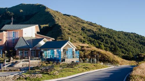 ForPost- Ещё год в Крыму будет можно строить трёхэтажные дома на дачных участках