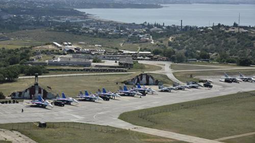 ForPost- В районе аэропорта Бельбек под Севастополем гремели взрывы