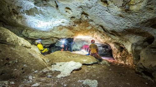 ForPost - В Крыму ищут способ сохранить уникальную пещеру