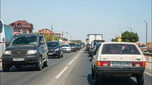 ForPost - Под Феодосией автомобили попадают в «адово горлышко»