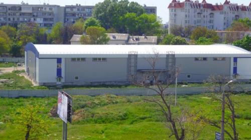 ForPost- В Севастополе снесут недостроенный ледовый дворец