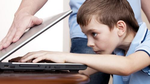 ForPost - Для российских детей могут закрыть соцсети