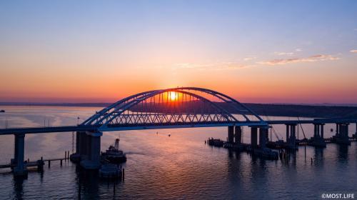 ForPost- Россияне признали открытие Крымского моста главным событием 2018 года