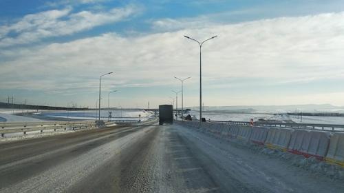 ForPost- Снова в снег: трасса «Таврида» встретила водителей льдом