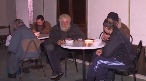 ForPost- Наш «Добродомик»: в Симферополе бесплатно кормят бедных