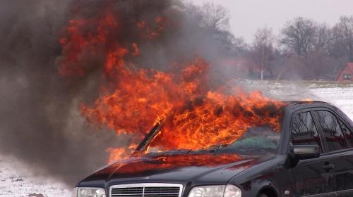 ForPost- В Севастополе сгорел еще один автомобиль