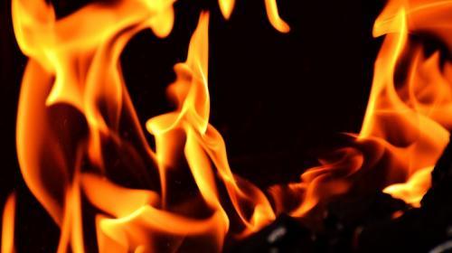 ForPost- В сгоревшем на южном берегу Крыма бараке обнаружен труп
