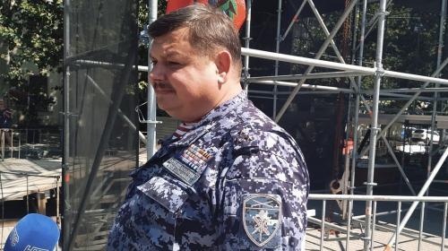 ForPost- Воспитывают пример и опыт, — Сергей Колбин об акции на площади Нахимова