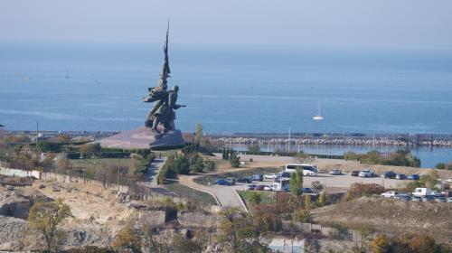 ForPost- Парковку у памятника Солдату и Матросу в Севастополе закроют навсегда