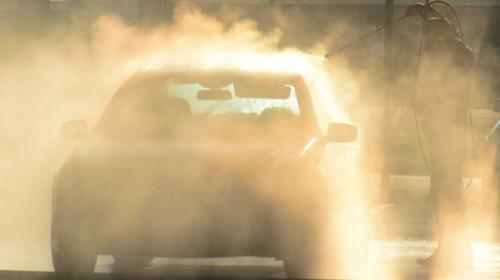 ForPost- В Севастополе бесплатно отмывают автомобили от коронавируса