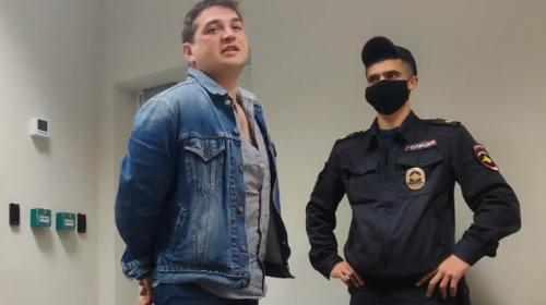 ForPost- «Друг главы МВД» устроил пьяный дебош в аэропорту Крыма