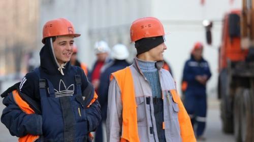 ForPost- Работодателей хотят обязать отдавать приоритет россиянам при найме