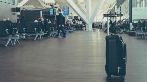 ForPost- В Крыму тесты на коронавирус в аэропорту считают бесполезными