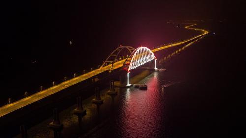 ForPost- Первый груз по Крымскому мосту уйдёт на материк из Севастополя