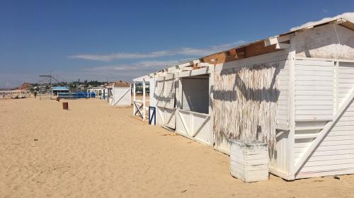 ForPost - На 13 популярных в Севастополе пляжах полностью запретили купаться
