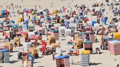 ForPost - В Севастополе ждут массового приезда туристов в июле и августе