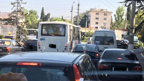 ForPost - Севастополь встал в гигантской пробке