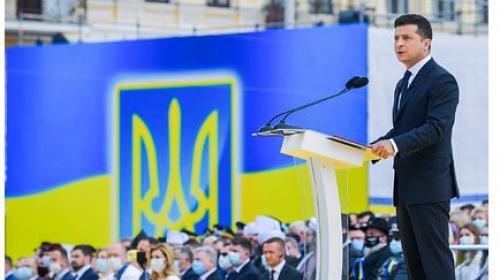 ForPost - Зеленский пообещал большой военный парад после победы в Донбассе