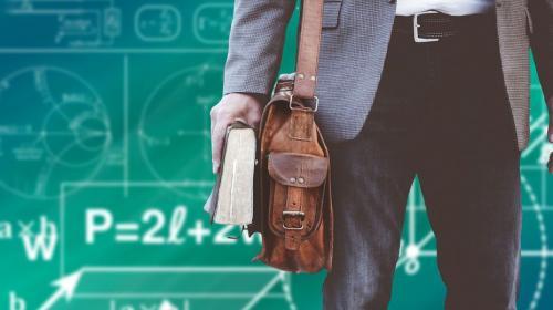 ForPost- Вузовских преподавателей защитят от «контрактного» произвола