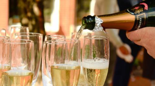 ForPost - Продажу алкоголя на Новый год предложили ужесточить