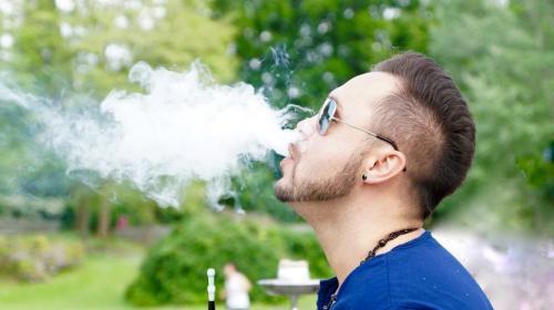 ForPost - Российским курильщикам испортят вкус сигарет