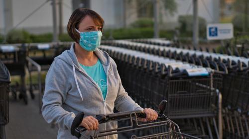 ForPost - Шопинг в маске: соблюдают ли торговые центры Севастополя новые требования?