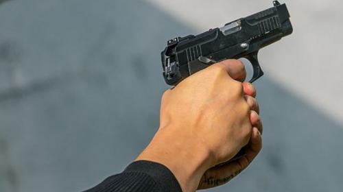 ForPost - Питерского врача с пистолетом посадили под домашний арест