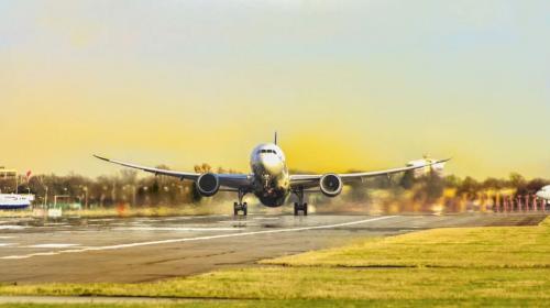 ForPost- Аэропорт Севастополя снова обещают сделать частично гражданским