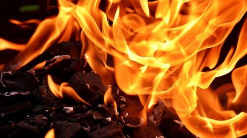 ForPost- Появилось видео возможного поджога рынка в Феодосии
