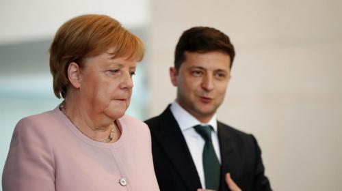 ForPost - Зеленский попросил Меркель помочь Украине получить вакцину от коронавируса